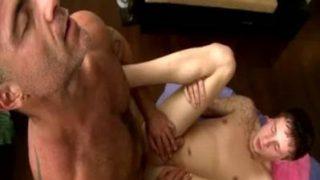 Maduro Fudendo Novinho Vídeo sexo