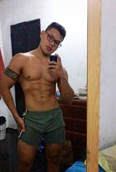 musculoso sem roupa