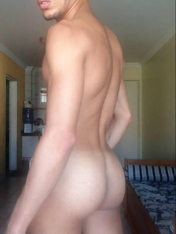 Garotinho Moreno pelado