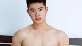Homens orientais pelados Mostrando seus Pinto de japones