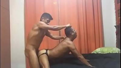 Gay Peruano socando sem pena no cuzinho do Cliente safado