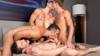 Transa grupal com Jovens gays deliciosos transando em grupo