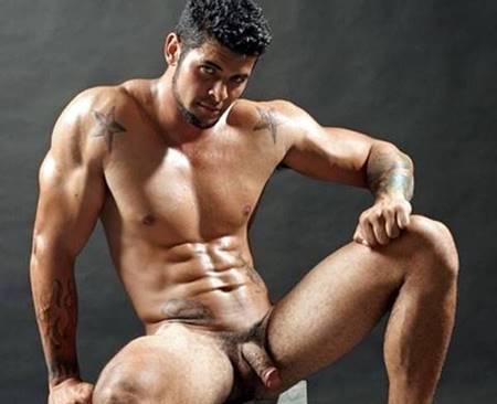 Homens sarados nus mostrando suas rolas deliciosas